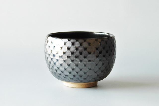 【美濃焼】黒網紋様 抹茶椀 直径11cm×高さ8cm