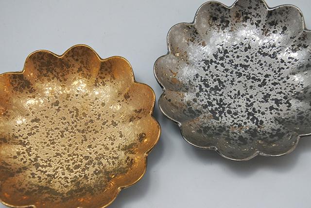 【弥源次窯】菊型の金銀小皿でイメージアップ⤴