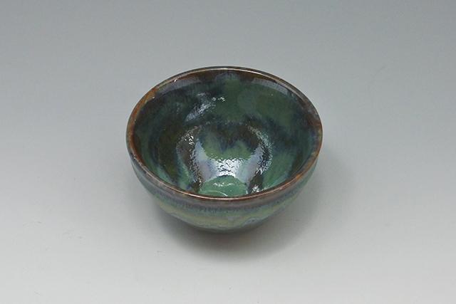 やや小ぶりながらずっしりとした存在感【青志野京型 抹茶茶碗】