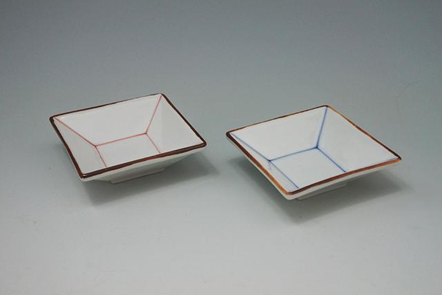 シンプルなラインの四角い豆小皿