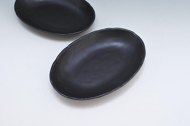 ありそうでない黒い楕円皿【黒マットベーカー皿】